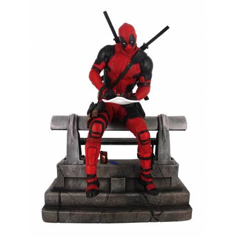 Diamond Marvel Premier Collection Deadpool Movie Statue (Limited 3K pieces) (APR202656)