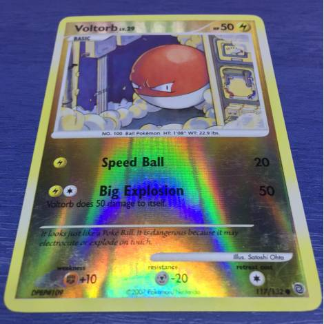 Pokemon ! Voltorb 117/132 Holo Rare